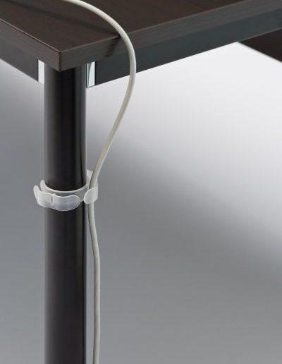 g4-klips-z-tworzywa-sztucznego-do-prowadzenia-kabli-na-nodze-okraglej-g4_101