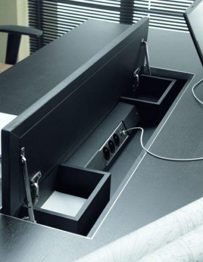 mixt-piornik-z-listwa-zasilajaca-3x-gniazdo-zasilajace-1x-rj12-montowany-w-biurkach-02k01-02k04