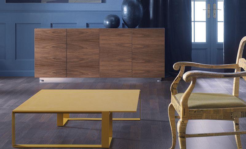 mixt-stolik-03k05-lakierowany-na-kolor-miodowy-szafki-z-drzwiami-06k08-na-cokole-z-listwa