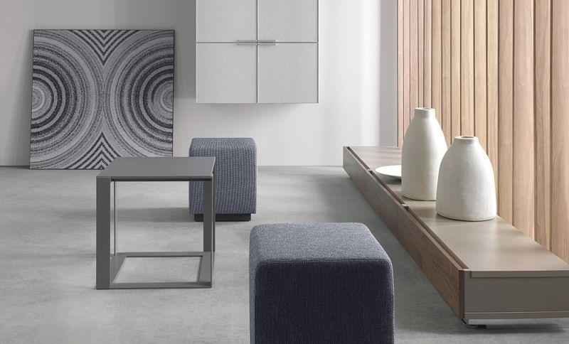 mixt-stolik-03k07-szafki-z-szufladami-06k05-szafki-wiszace-fronty-szklane-w-ramie-aluminiowej-06k23