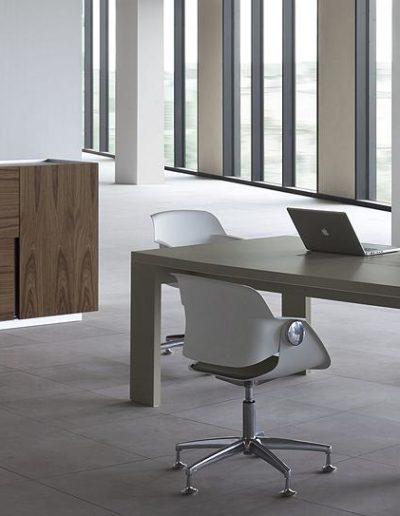 ostin-stol-konferencyjny-komoda-wysoka