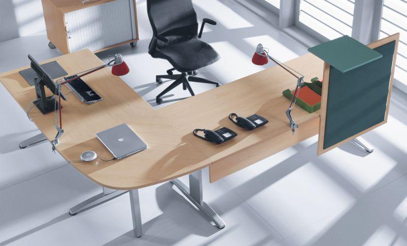proxy-biurka-proste-zespone-przystawka-p26-panel-recepcyjny-p66-przeslona-p45-kolor-buk-stelaz-srebrny-metalik
