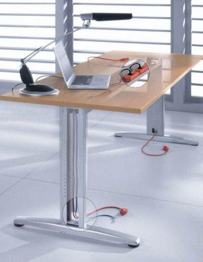 proxy-widok-okablowowania-biurka