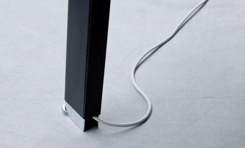simplic-okablowanie-noga-biurka
