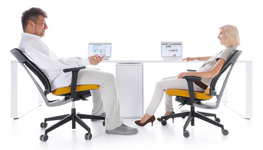 ergonomia a projektowanie powierzchni biurowych