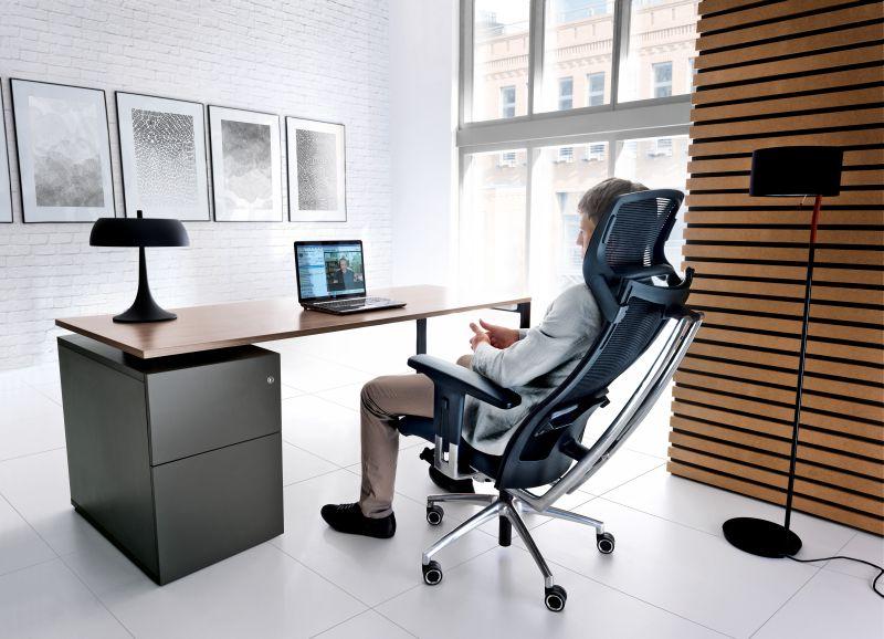 fotel gabinetowy action w biurze